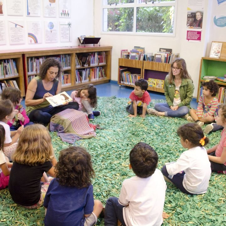 escola-da-vila-biblioteca-5-1-720x720